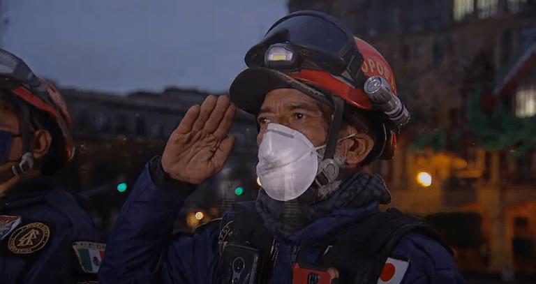 Ceremonia de Izamiento de Bandera en memoria de las víctimas de los sismos de 1985 y 2017 1