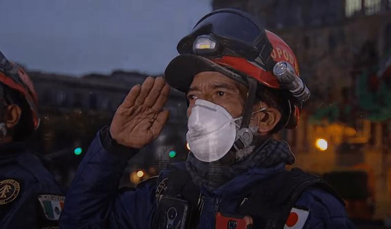 Ceremonia de Izamiento de Bandera en memoria de las víctimas de los sismos de 1985 y 2017