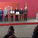 AMLO firma convenio con la ONU para la compra de medicamentos en el extranjero 4