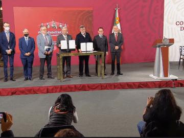 AMLO firma convenio con la ONU para la compra de medicamentos en el extranjero 2