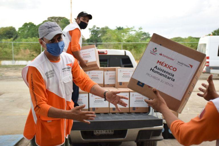 Apoya Fundación Gigante a damnificados en Tabasco 1