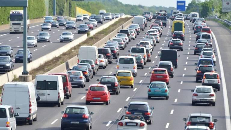 Entérate qué autos no circulan por semáforo rojo en CDMX y Edomex 1
