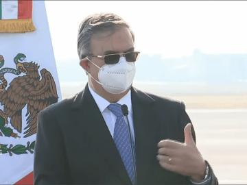 """""""Hoy es el principio del fin de esta pandemia"""": Ebrard sobre la llegada de las primeras dosis de la vacuna contra Covid-19 a México 1"""