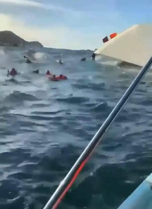 Se hunde en Puerto Vallarta embarcación con al menos 60 turistas, celebraban Año Nuevo (video) 1