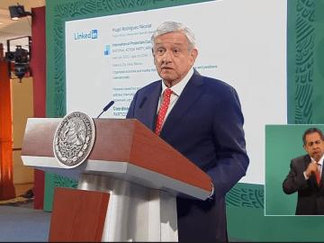 """""""Mi pecho no es bodega"""": AMLO al exhibir currículum de director de Twitter México. Así responde la red social 9"""