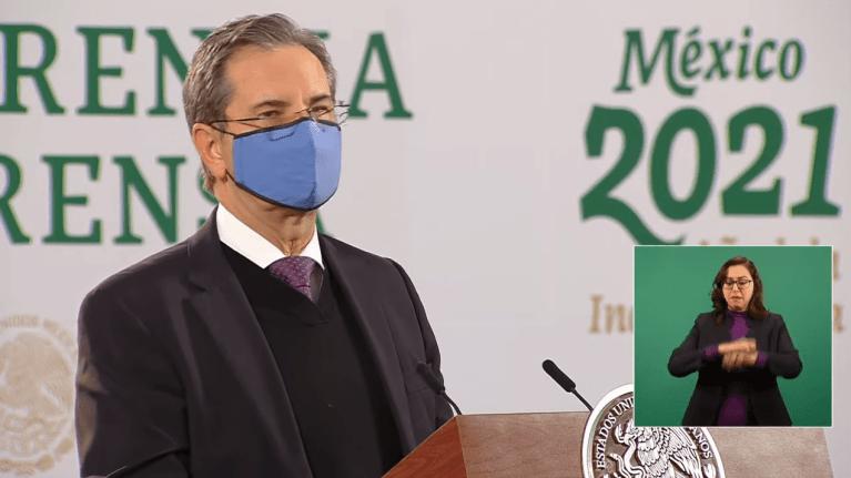 Formaliza AMLO cambio de titular de la SEP, se va Esteban Moctezuma, asume el cargo Delfina Gómez 1