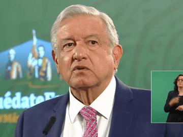 """""""A partir de hoy, Romero Deschamps ya presenta su renuncia, deja ser trabajador activo de Pemex"""": AMLO 1"""