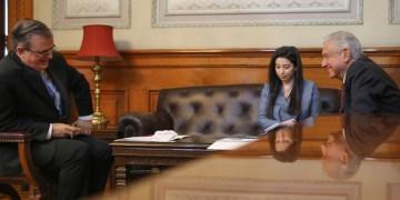 AMLO revela detalles de su llamada telefónica con Kamala Harris, vicepresidenta de Estados Unidos 12