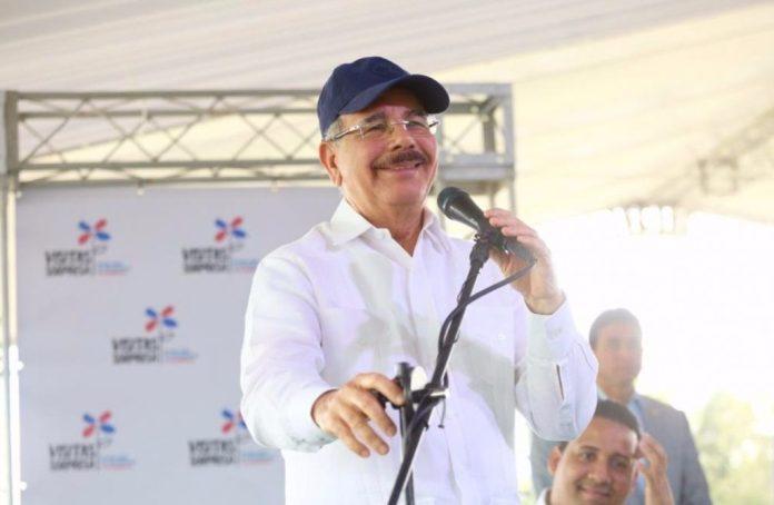 Danilo dice un millón 600 mil personas han salido de la pobreza gracias a visitas sorpresas