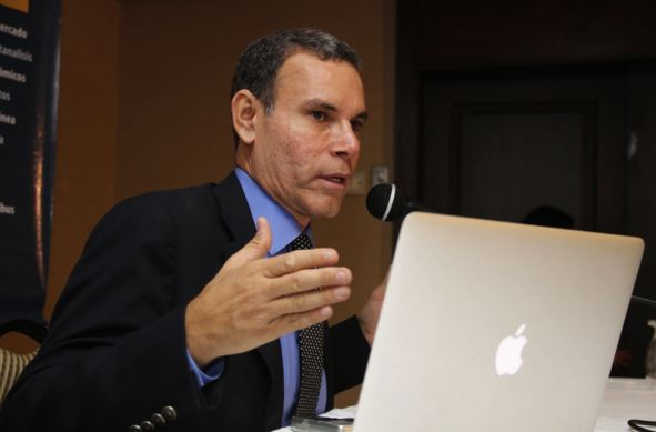 Luis-Vicente-León