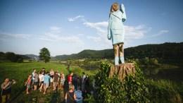 estatua de melania
