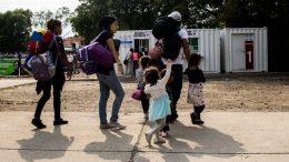 niños venezolanos colombianos