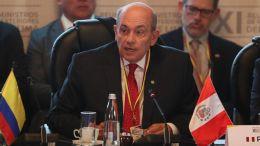 Diplomático peruano Hugo De Zela Martínez