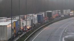 Transportistas varados en Reino Unido por cierre de frontera