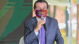 Ministro de Salud de Colombia Fernando Ruiz Gómez