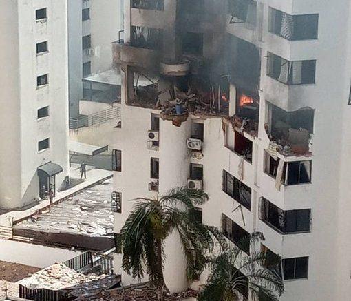 Explosión en edificio de la urb El Bosque en Valencia Venezuela