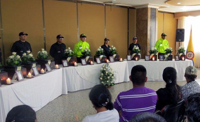 Fiscalía de Colombia entrega restos de desaparecidos