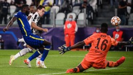 uventus enfrenta al Chelsea en la Champions League