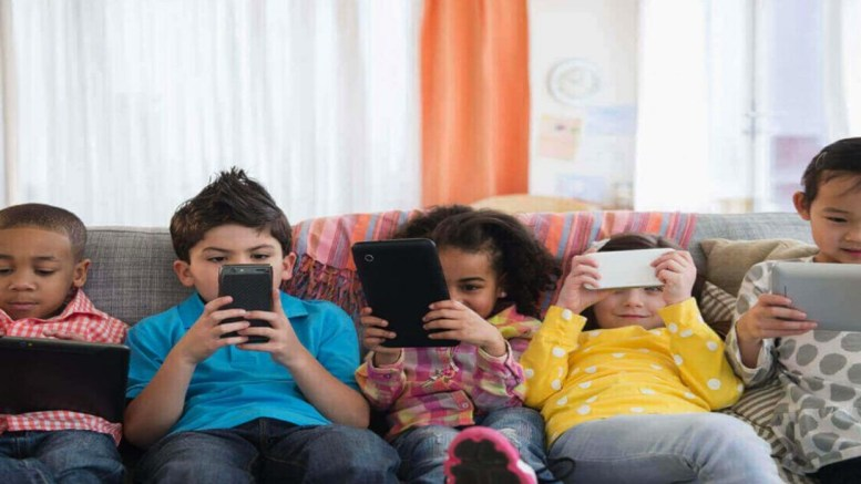 Niños y los smartphones