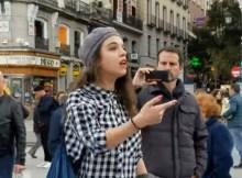 Mujer le dice a evangelista que es una vergüenza predicar al aire libre