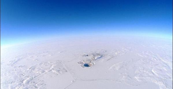 474f4cdd4383ff91fd1d98bcb039d93b - Un Agujero en el Ártico