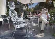 ca332973fc363da77aefed58534dcd5c - Figuras de hielo para recordar los riesgos de una excesiva exposición al sol