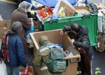 dd5c623449414fc88253ba0a5cd4d3e1 - Arrestada por llevarse a casa las patatas fritas que un supermercado tiró a la basura