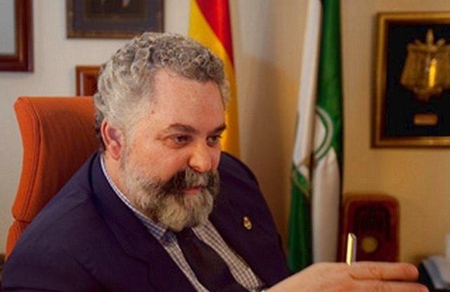 Jesús García Calderon en su despacho del Tribunal Superior de Justicia de Aandalucía.ARSENIO ZURITA