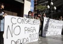 3e90415866f70e86c9c79cbfa6d48a93 - Protesta en Alicante contra el Consell por el impago a los cuidadores de menores