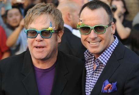 "22145411287b10e3ad16760f641601b6 - Elton John: ""Consumí tanta cocaína como Whitney Houston,"""