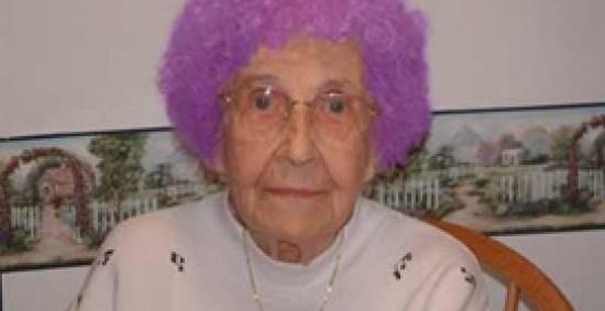 542a6239c7c7facf16486a561f6885ed - NASA investiga el extraño color de pelo de una anciana