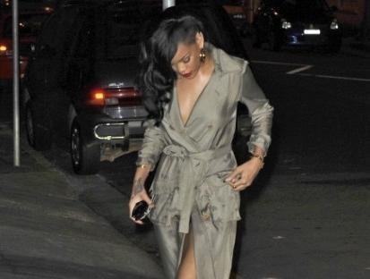 5f4772acf99fa4e8cf5c2fc67e0dd378 - Rihanna salió a cenar desnuda