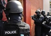 be09e91db356e44eae9440e23b7f432b - SWAT entra a casa por error, la llena de gas pimienta y ni siquiera se disculpan