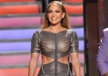 f832966028c60c879a5be606590bd8a2 - Jennifer López lució un vestido que deja muy poco a la imaginación