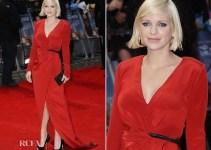 b1678c7578ec937ca9cc2c4475a09afc - Anna Faris se le ven las bragas en la alfombra roja