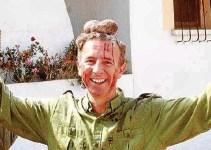 be8530058adf85d5a4e7456ae2fbeb32 - Carlos Delgado del PP de Baleares mata a un ciervo y se coloca sus testículos en la cabeza