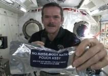 7fa687df0b499f5d3357b01a278280e8 - #Video Asi se lavan las manos los astronautas en el espacio