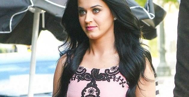 984f36722996e0131597718783789a28 - El vergonzoso accidente que tuvo Katy Perry con su vestido