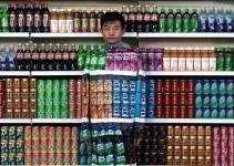 1a729518c20907f9341a16929661e702 - Media vida sin beber agua: Un profesor chino lleva 20 años bebiendo solo refrescos