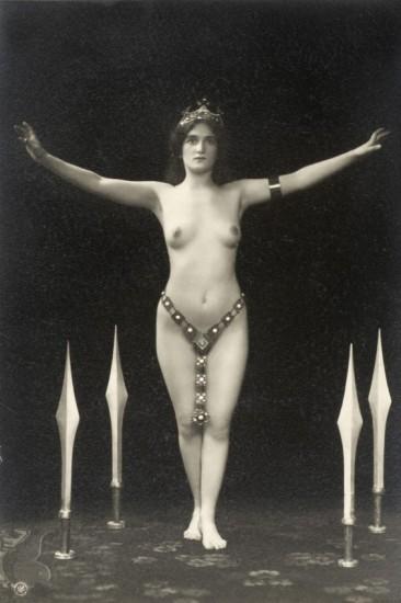 120101 366 550 - Cómo las fotos de desnudos cambiaron en 1900 la percepción del cuerpo humano