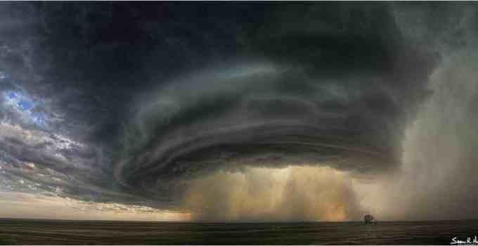 946cda5ca4fe1672ad02923352a982d8 - La gigantesca tormenta bajo la que nunca querrás estar