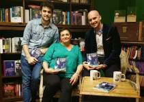c1df29092bfc99d870af10fd99f2fbc0 - #Video Ángela Piña López presentó su libro 'En otro lugar' en la Librería Leo de Valencia