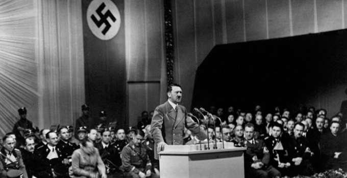 """f77892745ea18687d7c96ab720cd14bd - Kennedy, en su diario: """"No hay evidencia completa de que el cuerpo que se encontró fuera de Hitler"""""""