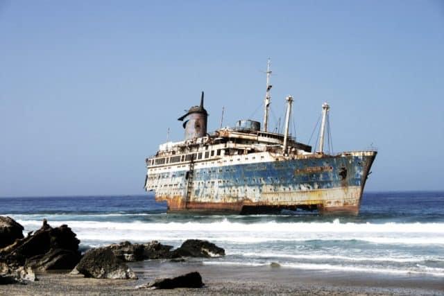 Barco varado en Fuerteventura