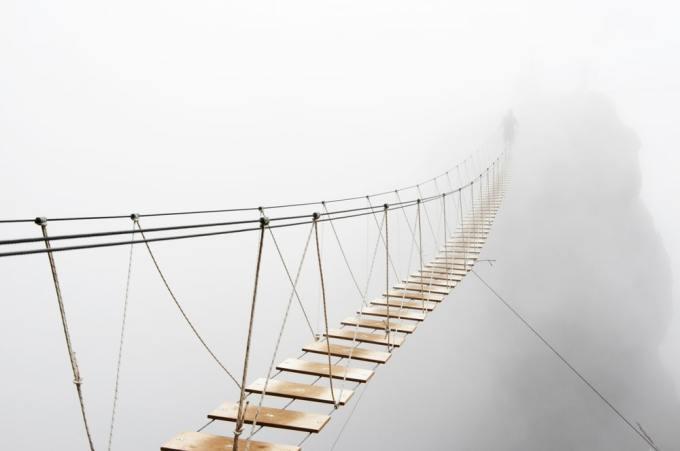 puente 2 300x199 - Los 10 puentes  peligrosos e increíbles del mundo