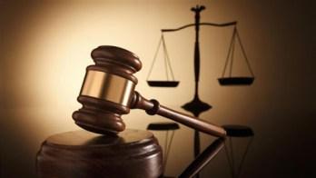 Justicia radica cargos contra funcionarios del Departamento de la Familia y el administrador de un hogar por explotación financiera a septuagenaria