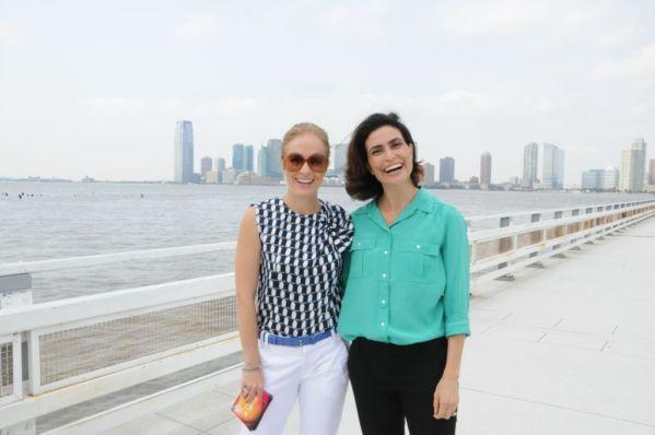 Estrelas: 22/10/2011 - Angélica passeia com Giuliana Morrone por Nova York