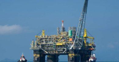 El petróleo Brent se desploma un 6%
