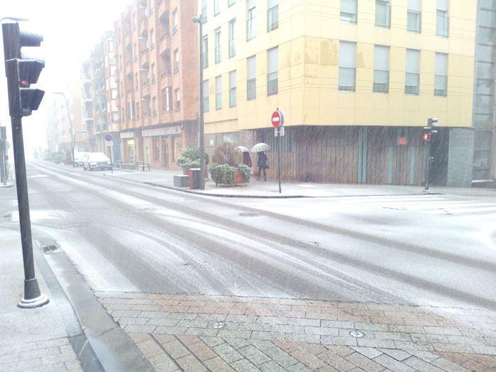 Nevando en el Paseo de la Constitución de Arnedo