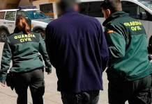 Traslado de uno de los detenidos de la Operación Golfito (Imagen: Guardia Civil)